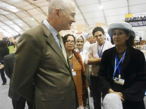 Les actualités de THM pendant la COP22 à Marrakech Le 09 nov Mme Fettouma Djerrari accueille M. Rupert Joy ambassadeur de l'Union Européenne dans le stand THM, en passant par le Stand Forum de la Terre